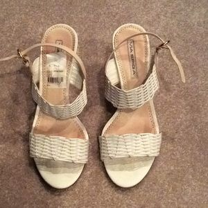 Via spiga white and tan sandals, 9m, gently worn